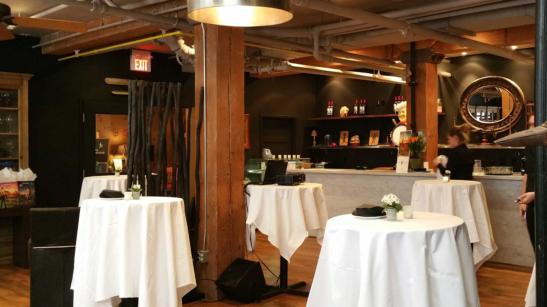 Toronto Event Venue for Corporate Cocktail Reception and Presentation