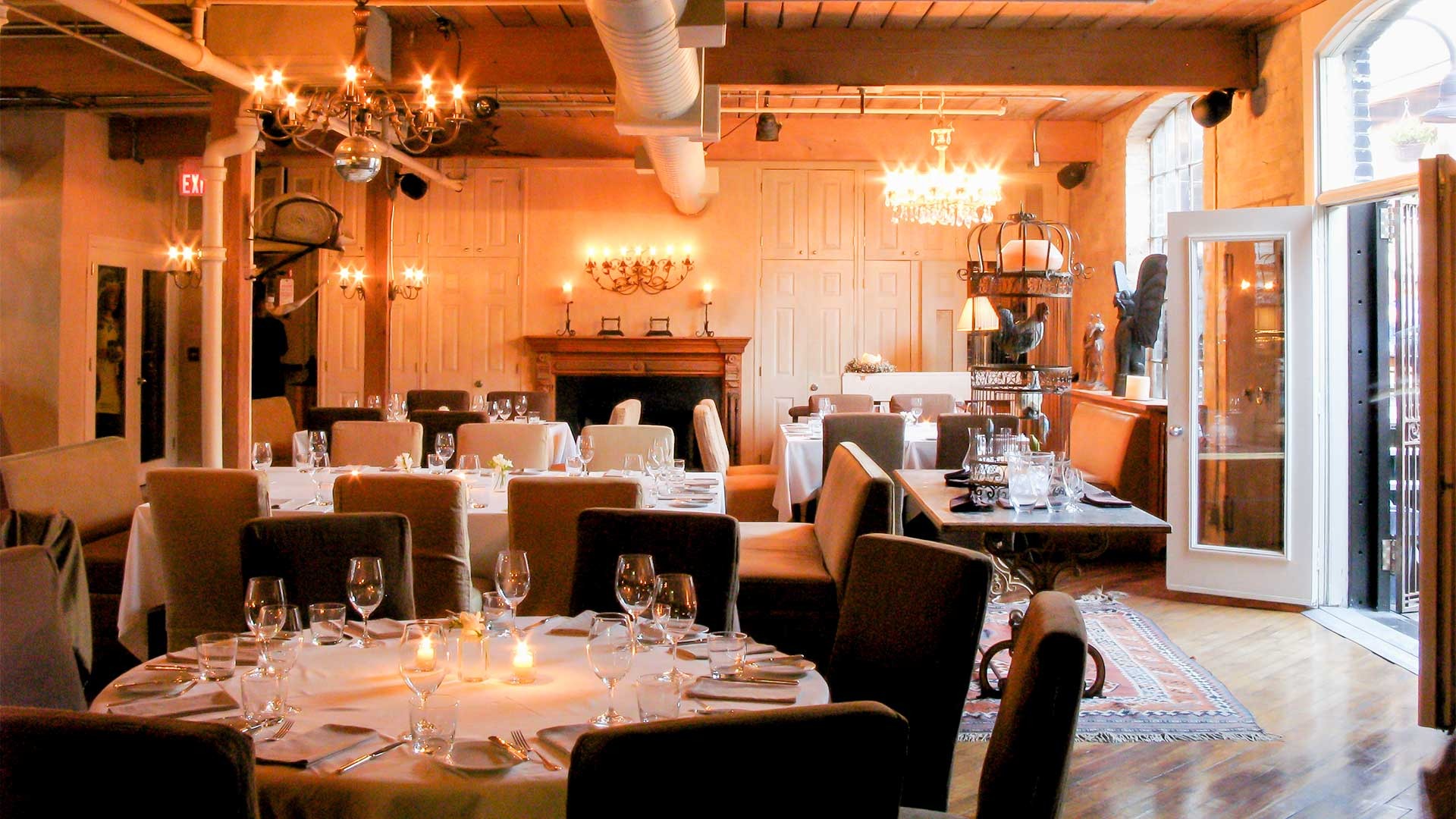 Unique corporate social event venues toronto on the for Best private dining rooms downtown toronto