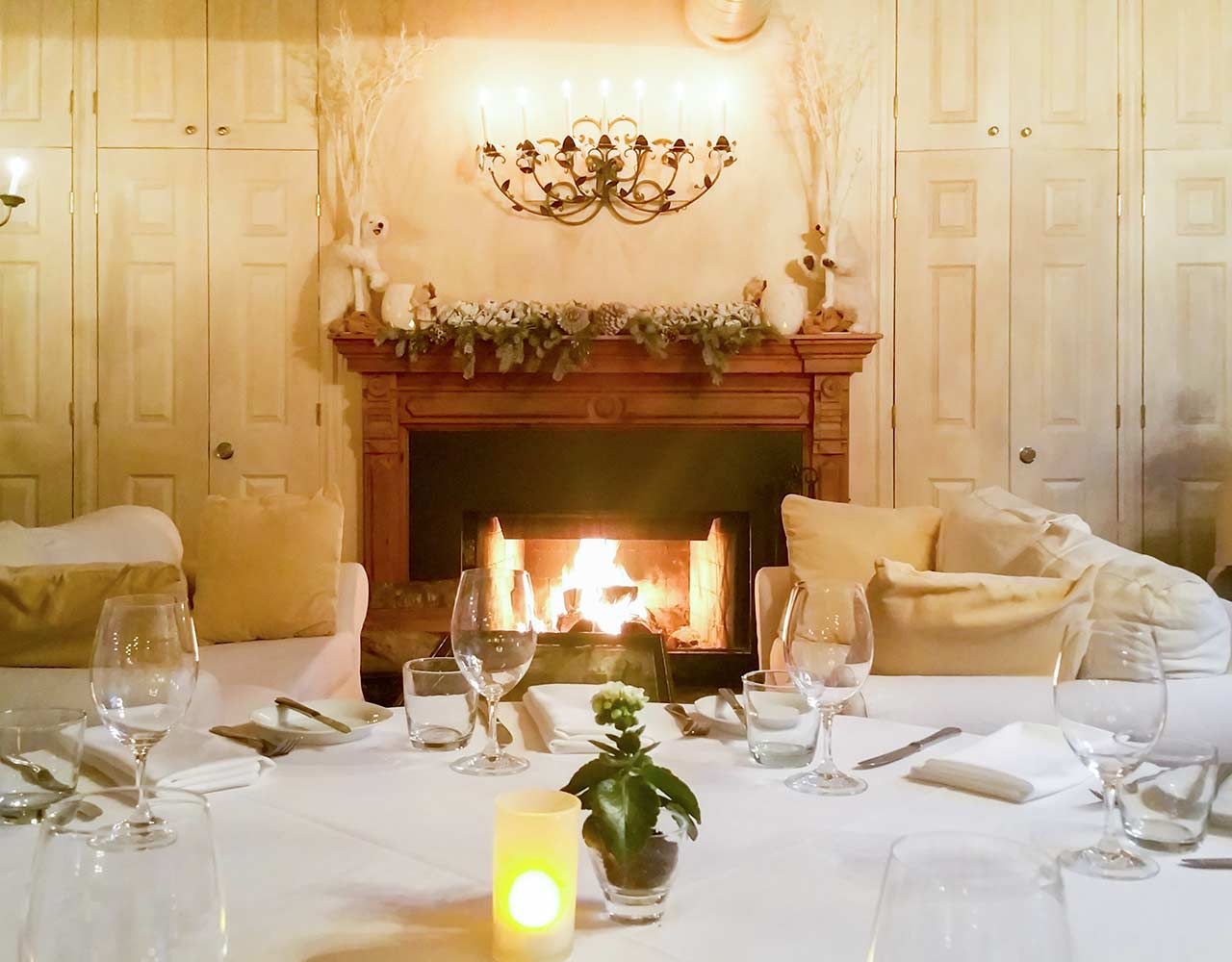 Toronto Restaurant for Office Holiday Dinner Party